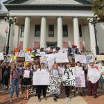 Florida destinará 500 millones de dólares a la seguridad escolar tras matanza
