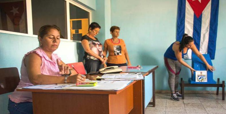 Resultado de imagen para Cuba realizó este domingo un ensayo electoral