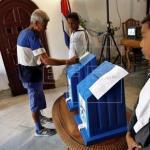 Cuba vota en comicios que son el último paso antes del relevo de Raúl Castro