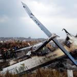 Medio centenar de muertos en el peor accidente aéreo en Nepal en 25 años