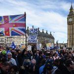 """Miles de personas piden en Londres un segundo referéndum sobre el """"brexit"""""""