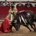 Adame triunfa en México y Hermoso y Castella se llevan orejas muy discutidas