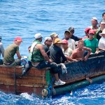 Un grupo de 12 inmigrantes cubanos llega a los Cayos de Florida