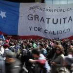 Con aire festivo arranca primera marcha de estudiantes chilenos contra Piñera