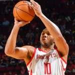 127-105. Gordon y James lideran ataque balanceado de Rockets y empatan serie