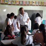 Estudiantes a ambos lados de frontera abordan acoso y discriminación en aulas