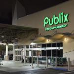 Víctimas tiroteo en EEUU apoyan boicot a supermercado por donación a político