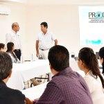 Psicólogos de GP asisten a conferenciasobre terapia breve e hipnosis clínica