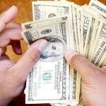 Dólar promedia en 19.92 pesos a la venta en el aeropuerto capitalino
