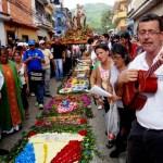 Feligreses salvadoreños rinden tributo Virgen María y piden abundante cosecha