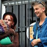 Lesbianas inglesas podrán registrar con sus apellidos a hija ecuatoriana