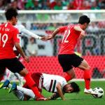 1-0. Un gol de Vela de penalti adelanta a México