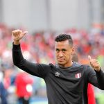 Renato Tapia vuele al once titular que hoy se despide del Mundial