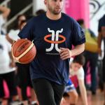 Barea, de los Mavericks, inaugura en P.Rico cursos de verano de baloncesto
