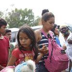 Niños migrantes separados marcan la agenda en visita de Pence a Centroamérica