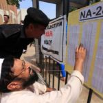 Abren los colegios electorales para los comicios generales en Pakistán