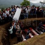 Guatemala sigue dando remanso y paz a los muertos del volcán