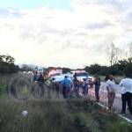 Vuelca familia por la libre a Mazatlán, cerca de El Pino: tres heridos