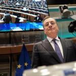 El BCE espera que los salarios aupen la inflación, pero mantendrá estímulos