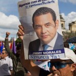 Miles de guatemaltecos exigen la renuncia del presidente Jimmy Morales