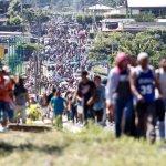 Llagas, fiebre y deshidratación empañan los sueños de la caravana migrante