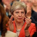"""May pide """"unidad"""" de los conservadores para alcanzar el """"brexit"""""""