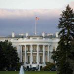 """Casa Blanca devuelve la acreditación a periodista de CNN pero exige """"decoro"""""""