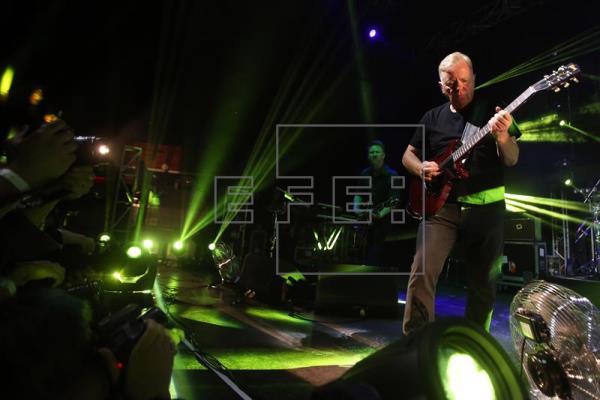 New Order posterga concierto en Santiago