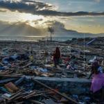 Un tsunami provoca al menos 20 muertos y 165 heridos en Indonesia