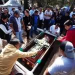 Sube a 95 cifra de fallecidos al explotar toma ilegal de gasolina en México