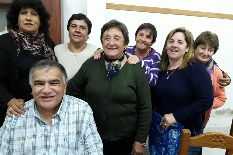 EN LOS SALONES DE LA PARROQUIA NUESTRA SRA. DE LA MERCED FESTEJARON LAS BODAS DE PLATA DEL SACERDOCIO DEL PADRE WILSON