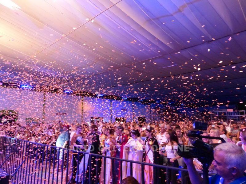 La Fiesta Nacional de la Guitarra convocó a más de 20 mil personas en su primera noche de espectáculos musicales