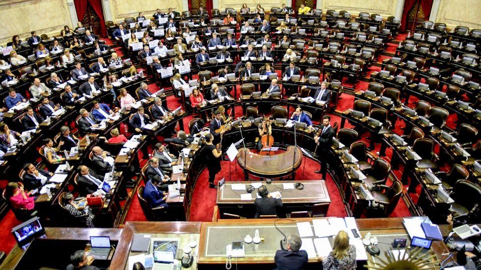 Tras lograr quórum, Diputados retomó el debate sobre las tarifas