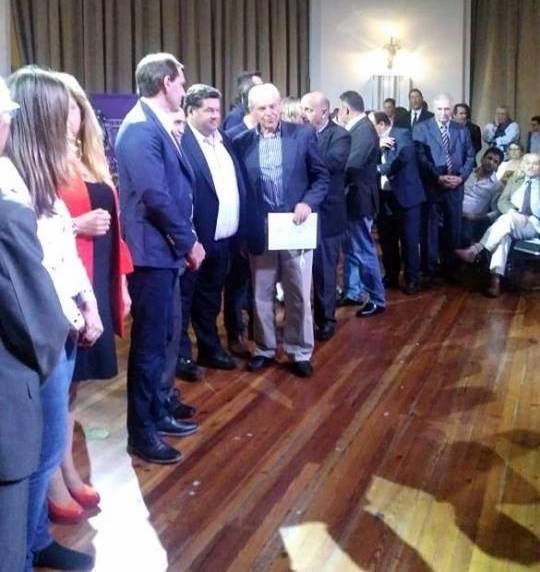 El Senado de la Prov. reconoció al ex intendente de Gral.Lavalle, Zuetta por su contribución a la recuperación de la democracia.