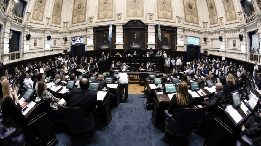 Legislatura bonaerense : Senado Vidal mantiene supremacía y en Diputados se impone Kicillof