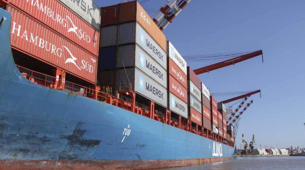 Crecen las quejas por las trabas a las importaciones: neumáticos, textiles y electro, los productos más afectados