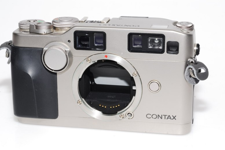 CONTAX_G2_z2_1