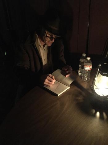 lamp light signing