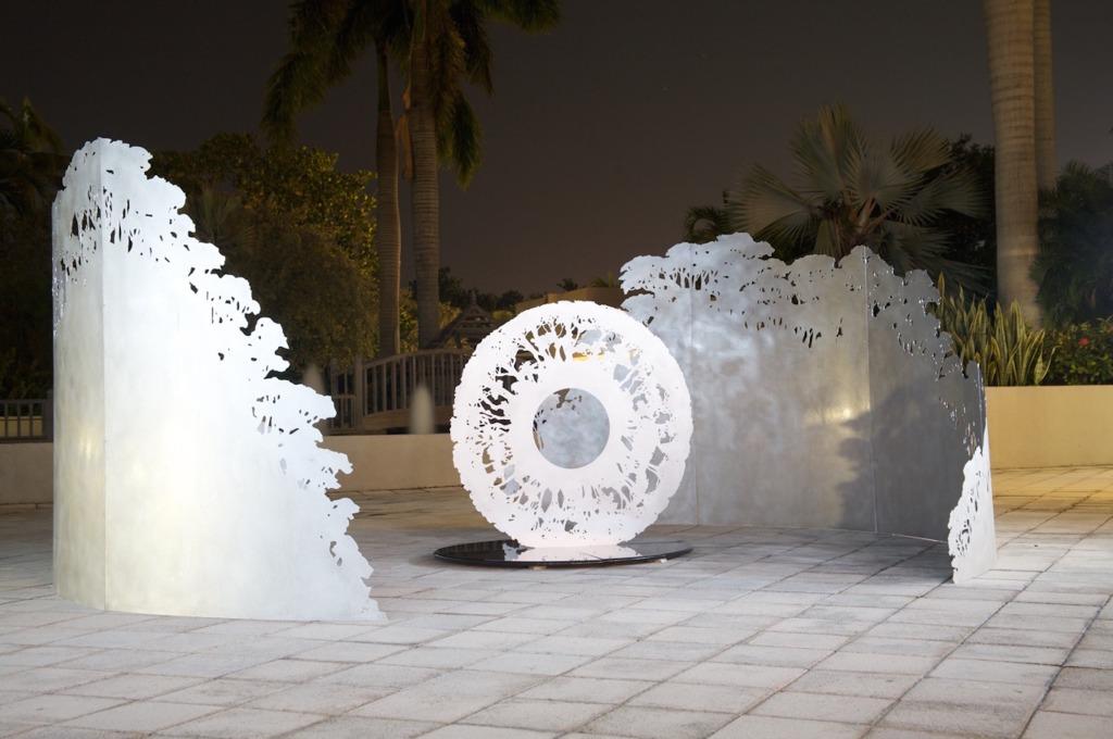 Jorge Cavelier.Monumental Sculpture. Labyrinth