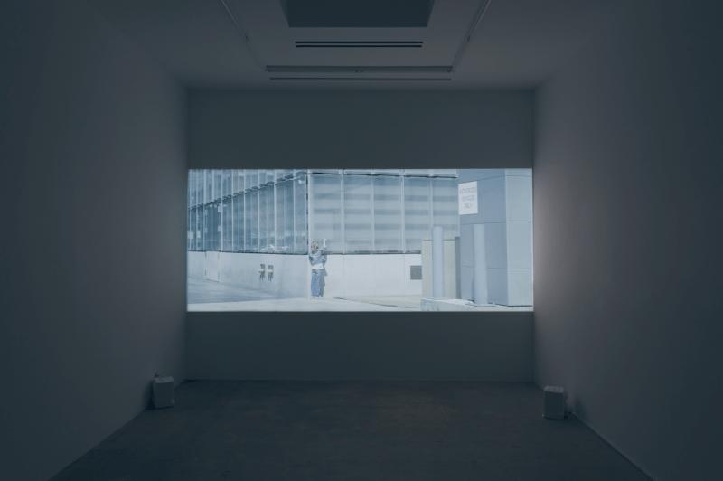 Jesper Just, Servitudes (Film 6) (2015). 2K video. Image courtesy of the artist and Various Small Fires. Photo: Veli-Mati Hoikka.