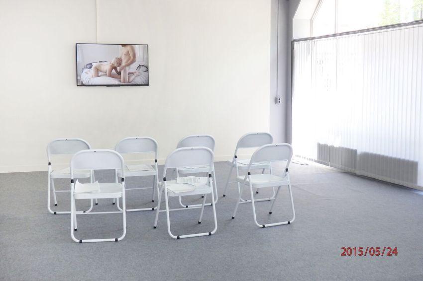 Amalia Ulman, International House of Cozy (installation view) (2014). Image courtesy of the artist and Showroom MAMA, Rotterdam.