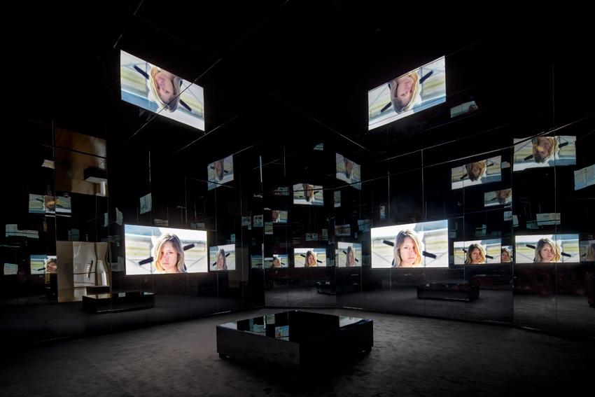Installation view of Doug Aitken, Black Mirror, 2011, at Schirn Kunsthalle, Frankfurt, July 9–September 27, 2015, photo by Norbert Miguletz