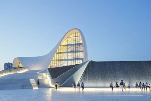 things to do in Baku heydar Aliyev Centre