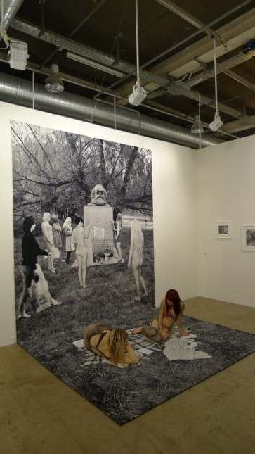 Goshka Macuga, Death of Marxism, Women of All Lands Unite, 2013, Galerie Rüdiger Schöttle, Hall 2.1 / P16, photo Andrzej Szczepaniak for Contemporary Lynx