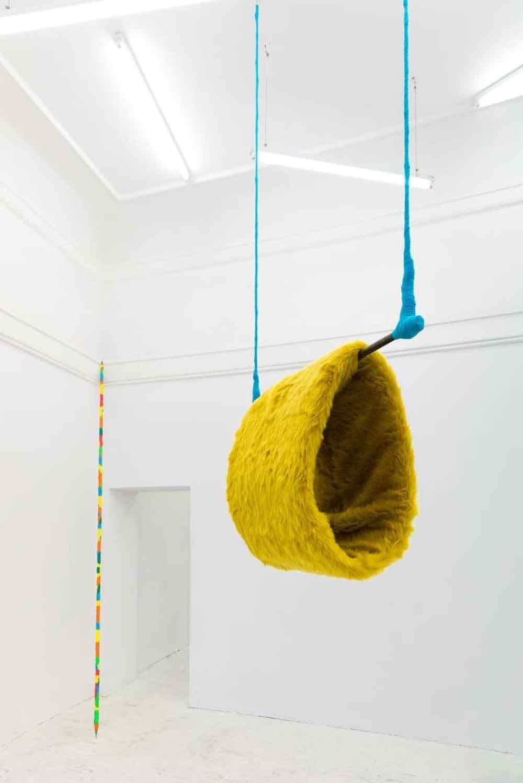 Alicja Bielawska , Mufka na trapezie, 2014 steel, textile, rope