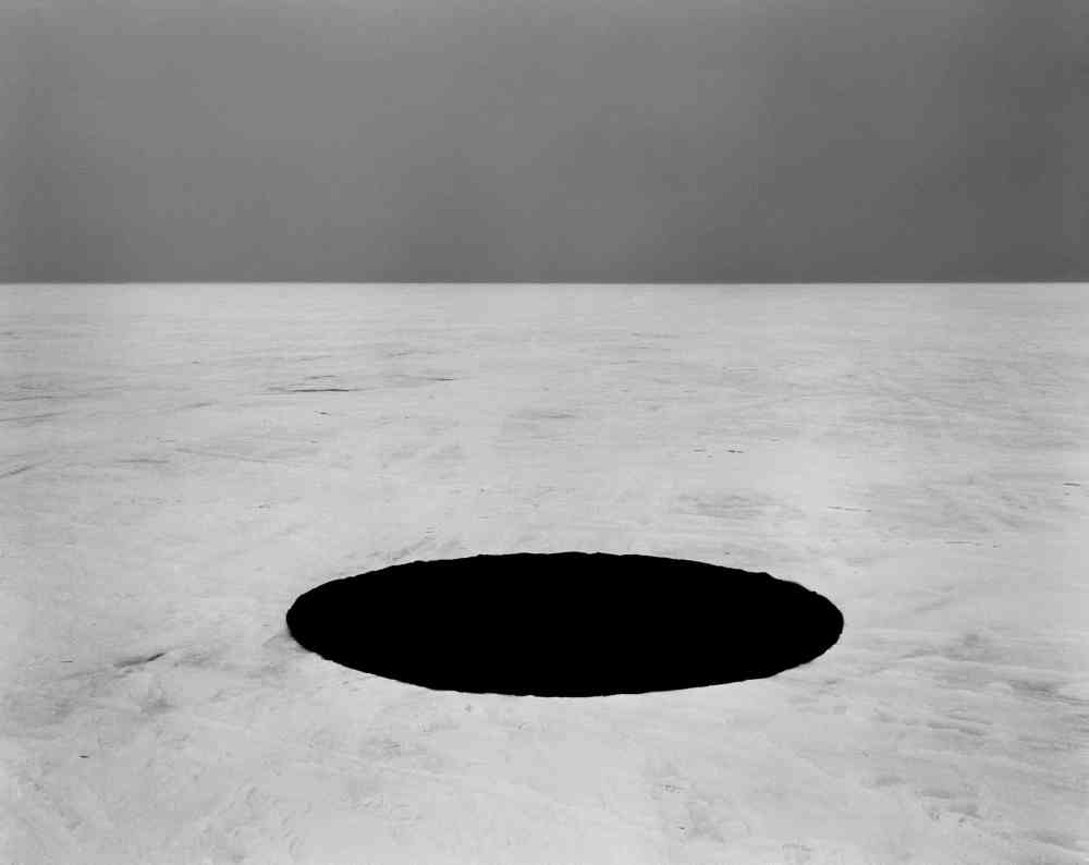 Anna Orlowska The hole, 2012, 90x 71cm, pigment inkjet print, courtesy of the artist