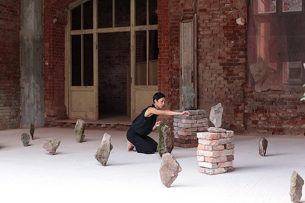 Jasmine Schaitl, performance, Photo Jerzy Polak/Marcin Grzegorski