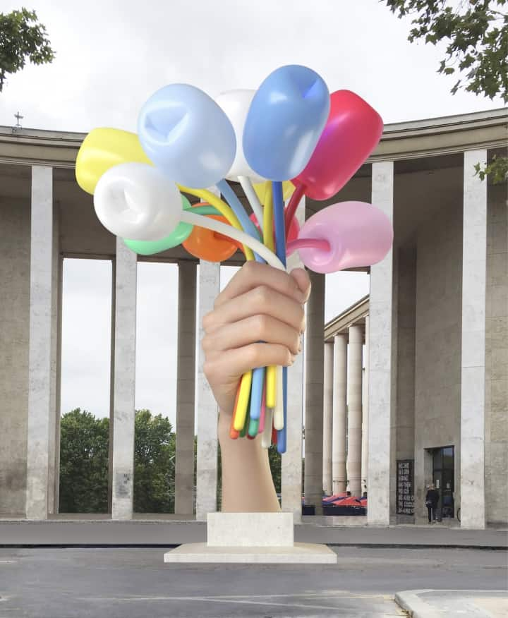"Jeff Koons, ""Bouquet of Tulips"" (2016), polychromed bronze, stainless steel, and aluminum; sculpture dimensions: 34 ft 1 1/2 in, (38 ft 3 in with base); width: 27 ft 3/4 in; depth: 33 ft 4 3/8 in (image © Jeff Koons, courtesy Noirmontartproduction, 3D rendering of the work in situ)"