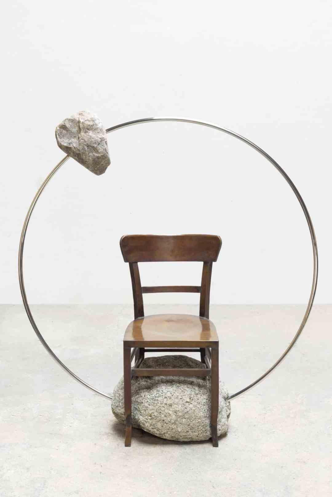 Alicja Kwade, Stuhl (Orbit), 2018, Kamel Mennour Gallery