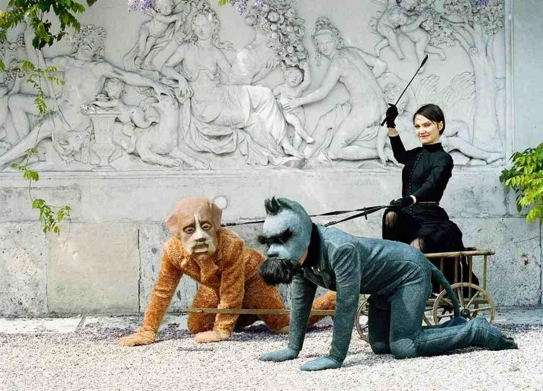 Katarzyna Kozyra, Lou Salome Palais Schwarzenberg: Carriage, Photo: Marianne Greber/ Bildrecht Wien 2005, courtesy ZAK | BRANICKA